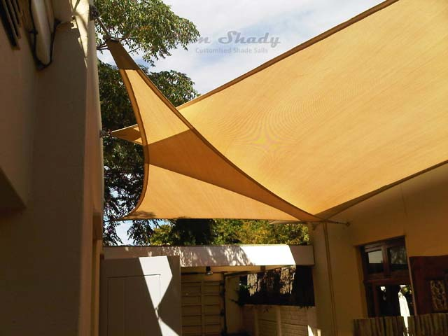 Rondebosch triangle shade sails courtyard